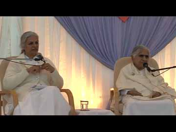 Dadi Janki interviewed by Sr. Gayatri